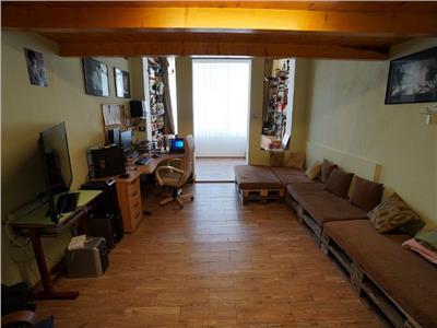 Casa tip studio