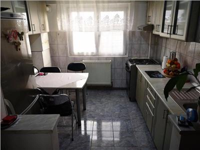 Apartament de vanzare 3 camere Micro 15