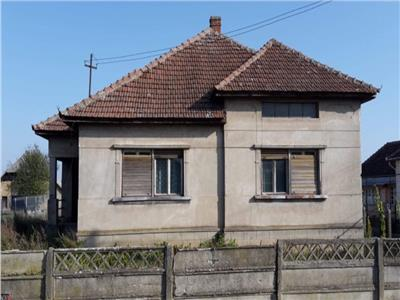 Casa in Comuna Apa Central