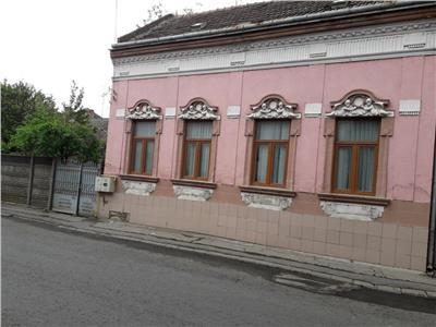 Casa cu teren Titulescu