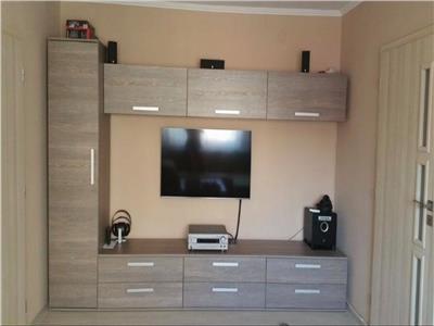 Apartament de vanzare 3 camere pe Stefan Cel Mare