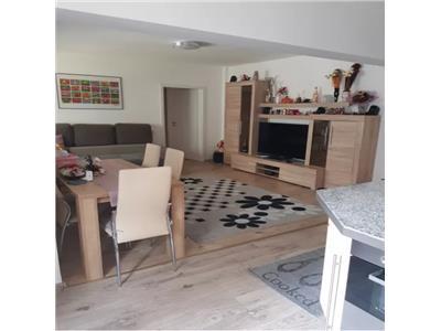 Apartament de vanzare 3 camere  in Micro 15