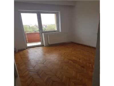 Apartament de vanzare 3 camere Micro 17