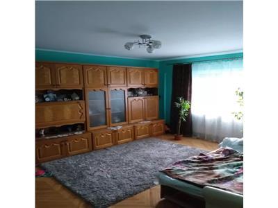 Apartament de vanzare 3 camere Botizului