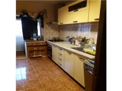 Apartament de vanzare 2 camere Carpati 2