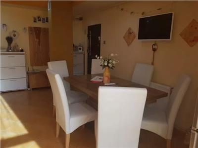 Apartament de vanzare 4 camere in Carpati 2