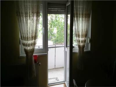 Apartament de vanzare 4 camere in Micro 16