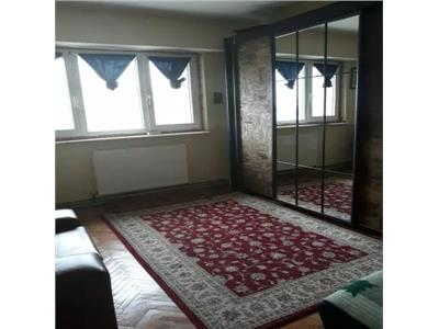 Apartament de vanzare 3 camere in Soarelui