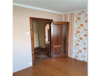 Apartament de vanzare 3 camere Micro 16