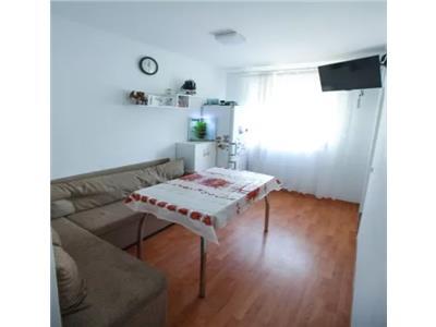 Apartament de vanzare 3 camere Micro 14