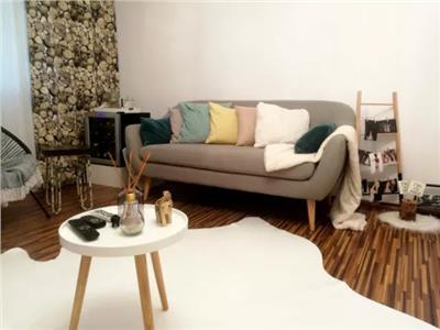 Apartament finisat de vanzare 3 camere in Micro 16