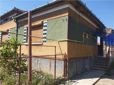Casa de vanzare zona 14 Mai