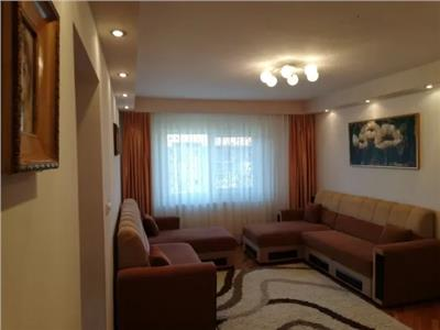 Apartament 3 camere de vanzare in Carpati 2