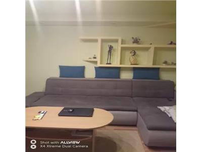 Apartament de vanzare 4 camere in Cartierul Micro 16