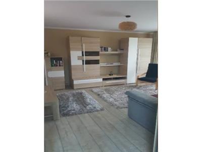 Apartament 3 camere de vanzare Micro 16