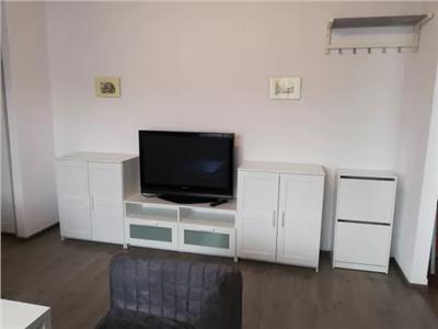 Apartament de inchiriat 2 camere situat pe Calea Traian colt cu Corvinilor