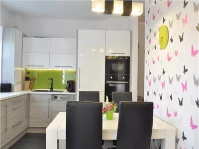 Apartament de vanzare 3 camere zona Vasile Lucaciu