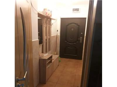 Apartament 2 camere de vanzare in zona Micro14