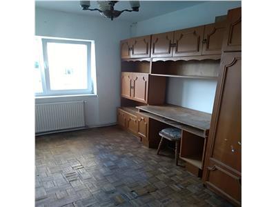 Apartament 4 camere de vanzare zona Piata Somes