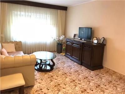 Apartament 4 camere de vanzare in Carpati 2