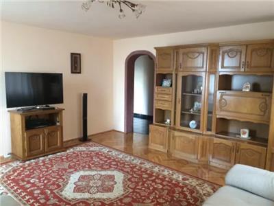 Apartament 4 camere de vanzare zona Ultracentrala