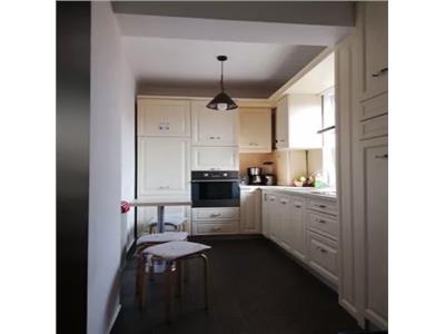 Apartament 4 camere in asociatie de vanzare zona 14 Mai