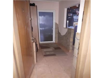 Apartament 2 camere de vanzare zona Micro 14