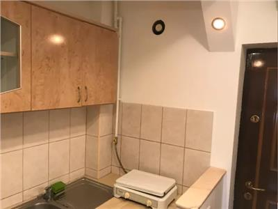 Apartament cu o camera zona Botizului