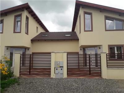 Doua case constructie noua de vanzare zona Dara