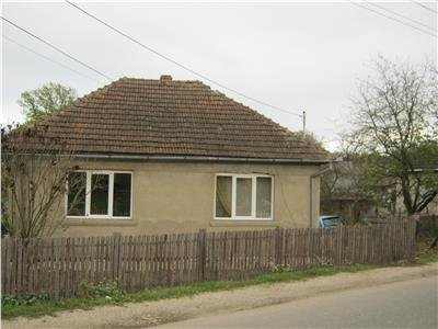 Casa de vanzare in Viile Satu Mare (la soseaua principala)