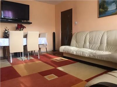 Apartament 3 camere de vanzare Micro 17