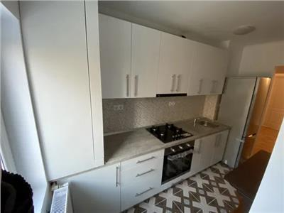 Apartament 4 camere de inchiriat Micro 17