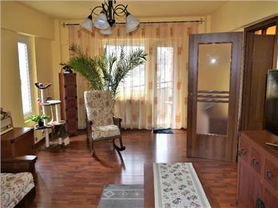 Apartament 3 camere de vanzare zona Lidl