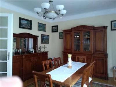 Apartament 4 camere de vanzare zona Centrala