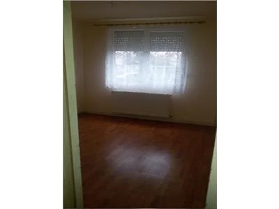 Apartament de vanzare Carpati 1