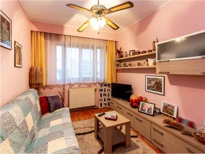 Apartament 4 camere de vanzare zona Soarelui