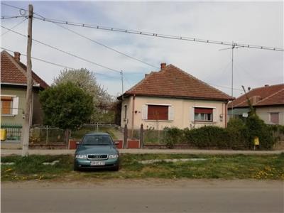 CASĂ IN APA 33500
