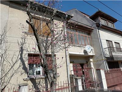 Casa de vanzare, strada Zorilor